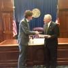 El embajador Lousteau se reunió con el gobernador de Georgia Nathan Deal