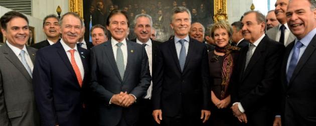 Schiaretti acompaña a Macri en su visita a Brasil