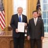 Presentación cartas credenciales a Donald Trump
