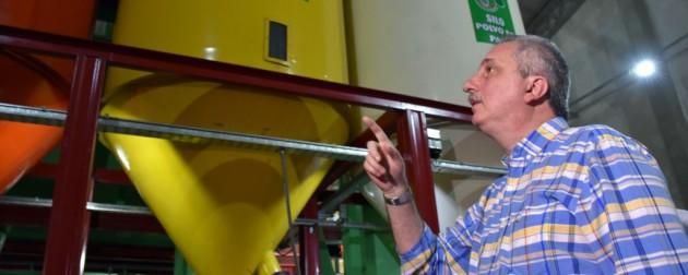 Passalacqua inauguró secadero que exportará yerba mate al mercado asiático