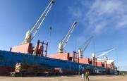 Exportaciones de Entre Ríos.  Llego a Ibicuy para completar su carga el carguero que zarpó de Concepción del Uruguay